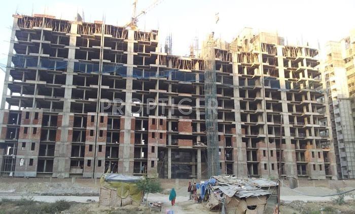 Aditya Celebrity Homes in Sector 76 Noida for sale ...