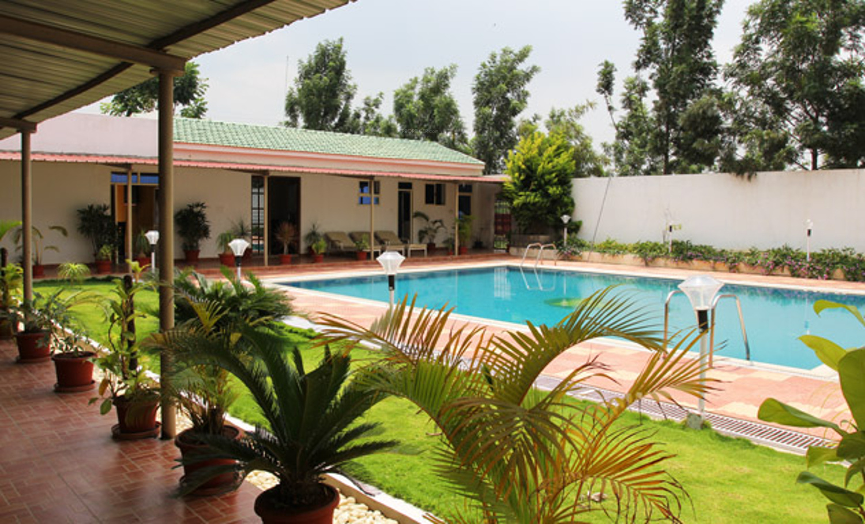 2400 sq ft plot for sale in lg builder rose heritage - Swimming pool builders in bangalore ...