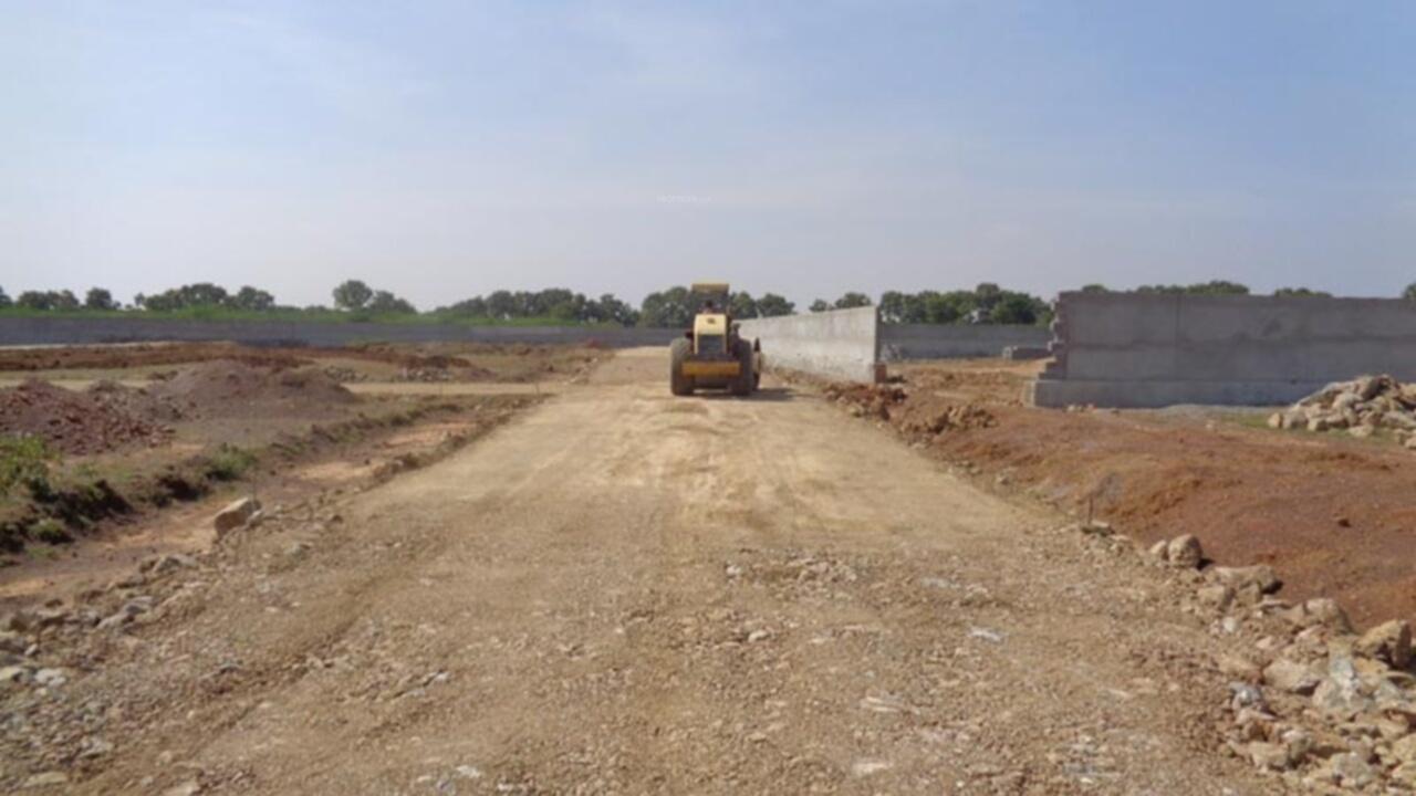 600 sq ft plot for sale in ananda green mantra developers for Construction habitat