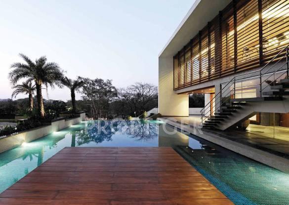 crest Swimming Pool