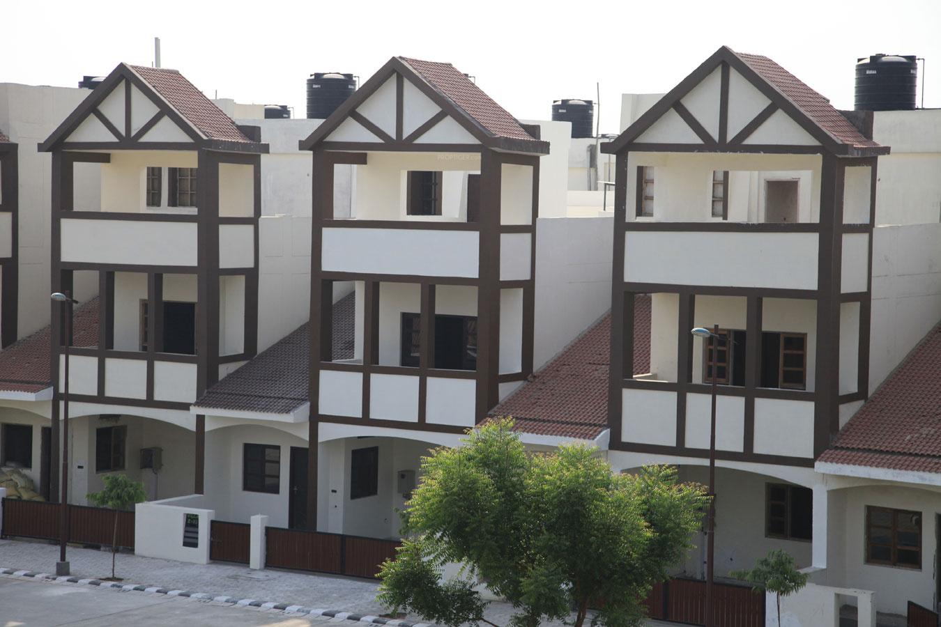 Main elevation image 1 of land craft developers golflink for Landcraft homes floor plans