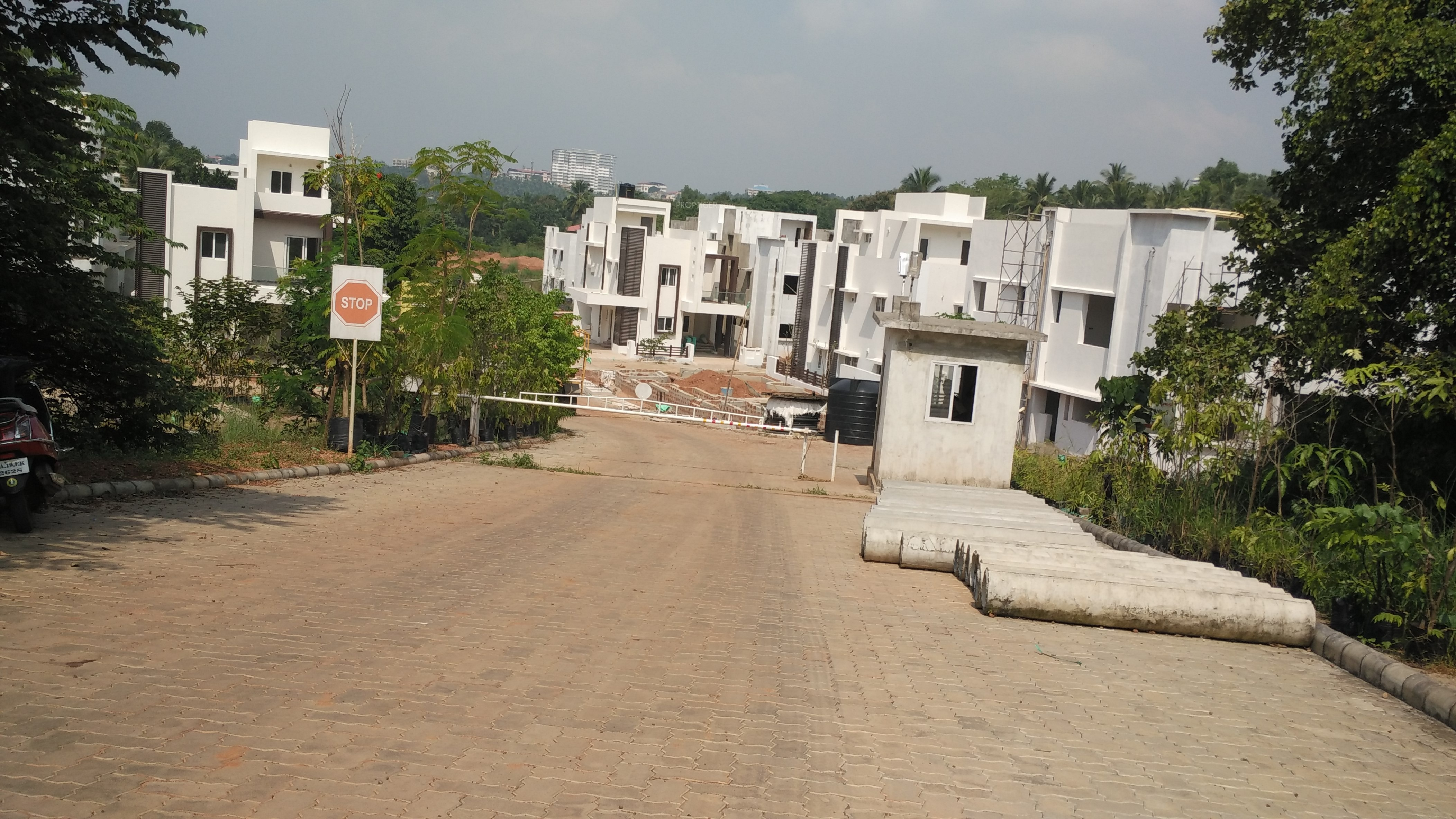 Images For Construction Status Of Pooja Gardens Of Delight