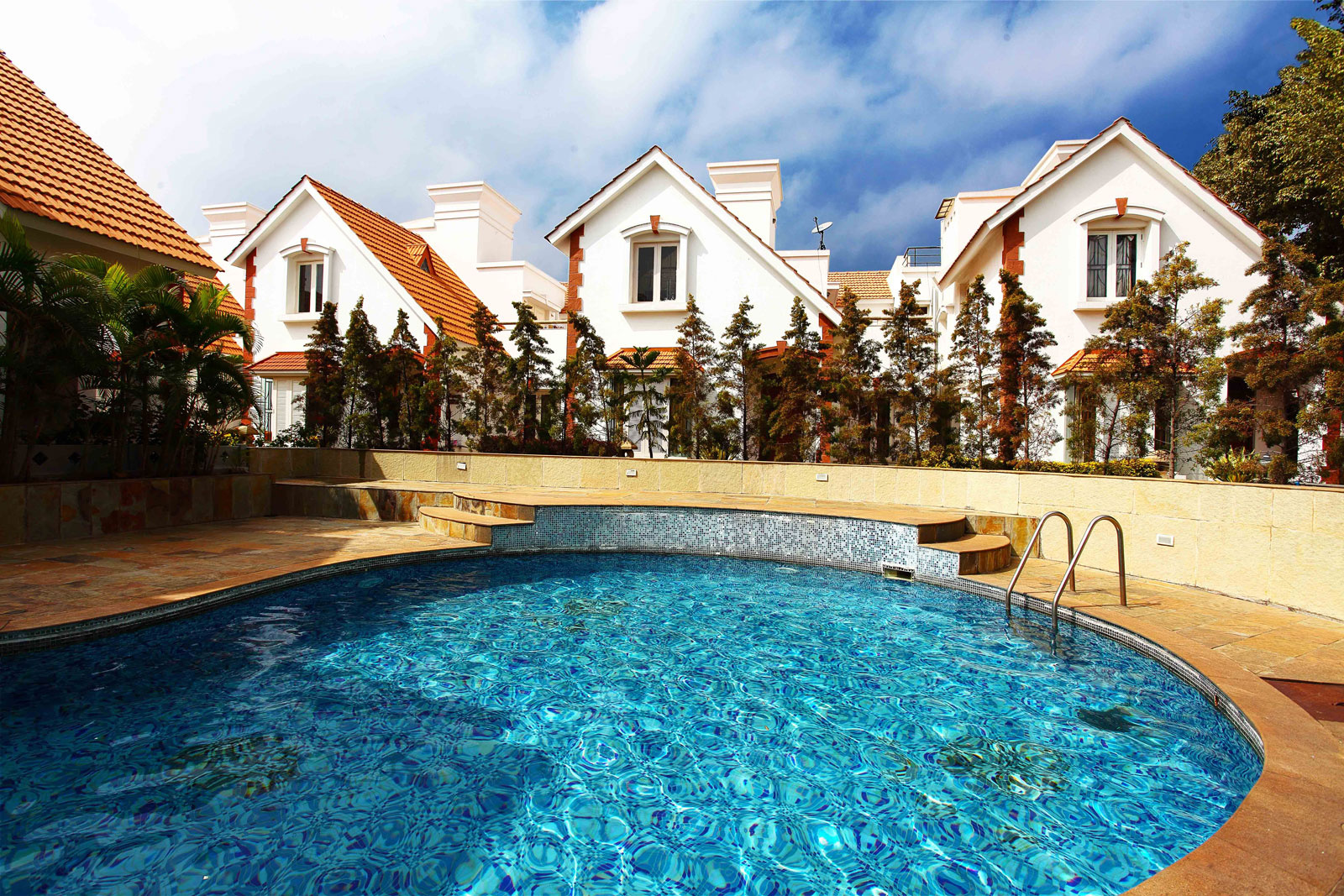 3000 sq ft 3 bhk 3t villa for sale in mims builders - Swimming pool builders in bangalore ...