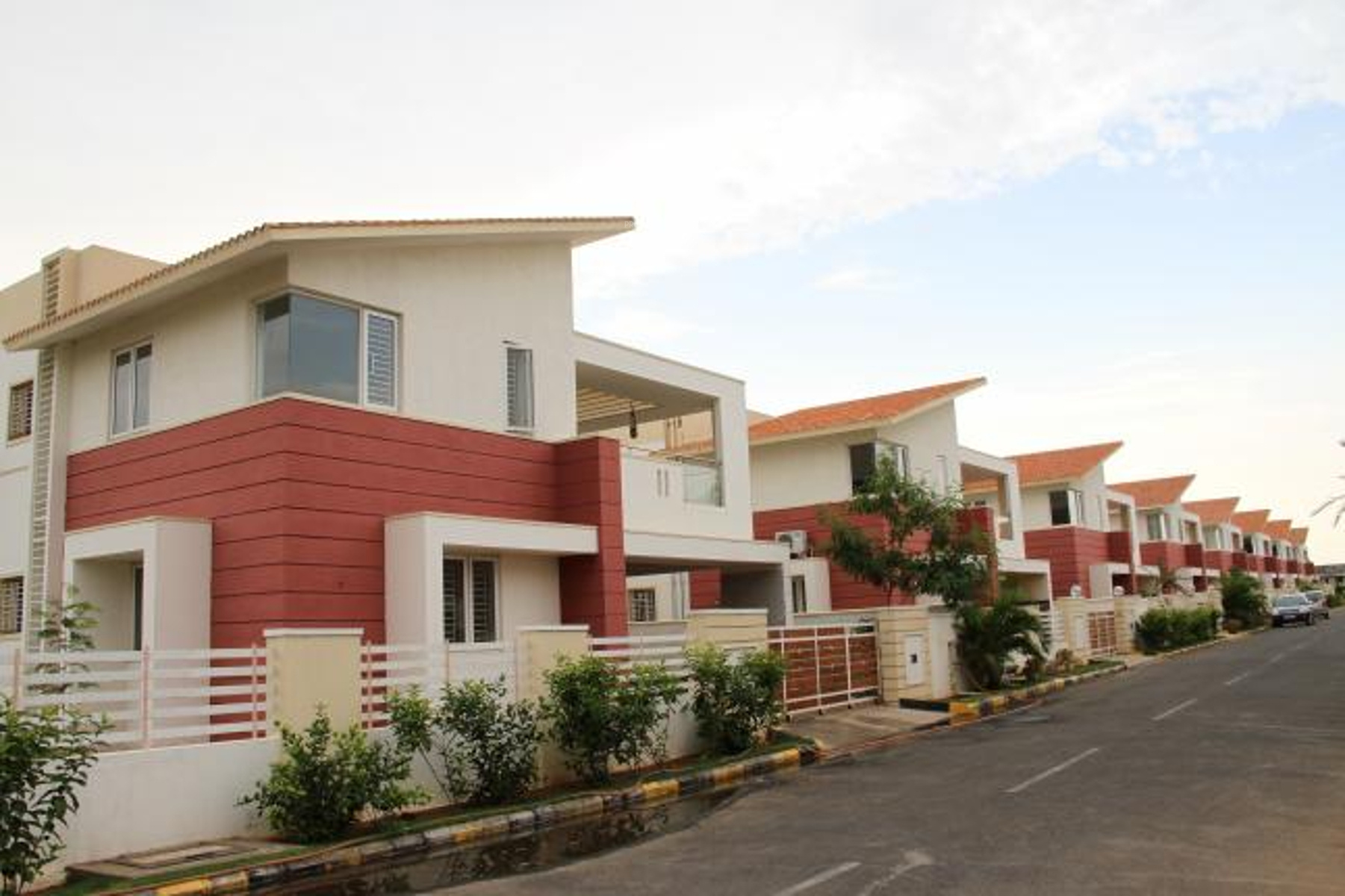 Sreevatsa global village villas in saravanampatti for Villas apartments