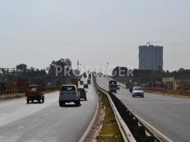 Image for Road in Avalahalli Off Sarjapur Road